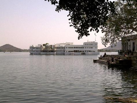 Lovely view of the lake palace, Udaipur.